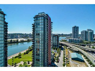 "Photo 9: 2005 33 SMITHE Street in Vancouver: Yaletown Condo for sale in ""Coopers Lookout"" (Vancouver West)  : MLS®# V1075004"