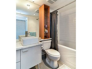 "Photo 11: 2005 33 SMITHE Street in Vancouver: Yaletown Condo for sale in ""Coopers Lookout"" (Vancouver West)  : MLS®# V1075004"