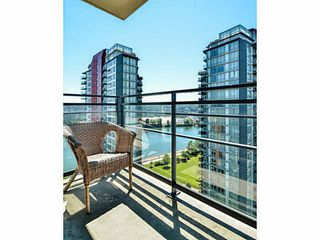 "Photo 8: 2005 33 SMITHE Street in Vancouver: Yaletown Condo for sale in ""Coopers Lookout"" (Vancouver West)  : MLS®# V1075004"