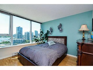 "Photo 10: 2005 33 SMITHE Street in Vancouver: Yaletown Condo for sale in ""Coopers Lookout"" (Vancouver West)  : MLS®# V1075004"