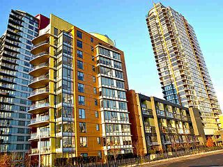 "Photo 1: 2005 33 SMITHE Street in Vancouver: Yaletown Condo for sale in ""Coopers Lookout"" (Vancouver West)  : MLS®# V1075004"