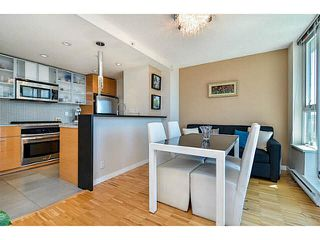 "Photo 5: 2005 33 SMITHE Street in Vancouver: Yaletown Condo for sale in ""Coopers Lookout"" (Vancouver West)  : MLS®# V1075004"