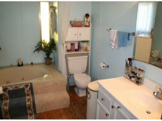"""Photo 7: 35 2120 KING GEORGE Boulevard in Surrey: King George Corridor Manufactured Home for sale in """"Five Oaks"""" (South Surrey White Rock)  : MLS®# F1421905"""