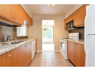 "Photo 5: 201 2288 W 12TH Avenue in Vancouver: Kitsilano Condo for sale in ""THE CONNAUGHT"" (Vancouver West)  : MLS®# V1084002"