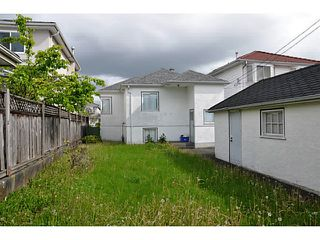Photo 2: 3510 E 25 Avenue in Vancouver: Renfrew Heights House for sale (Vancouver East)  : MLS®# V1063781