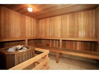 Photo 18: 402 14877 100 AVENUE in Surrey: Guildford Condo for sale (North Surrey)  : MLS®# R2030758