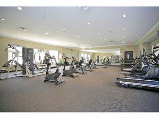 Photo 17: 402 14877 100 AVENUE in Surrey: Guildford Condo for sale (North Surrey)  : MLS®# R2030758