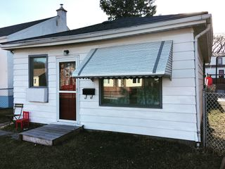 Photo 1: 1172 Valour Road in Winnipeg: Sargent Park Single Family Detached for sale (5C)  : MLS®# 1810002