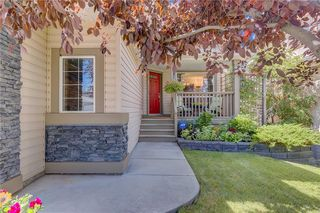 Photo 2: 100 DOUGLASDALE Point SE in Calgary: Douglasdale/Glen Detached for sale : MLS®# C4264061