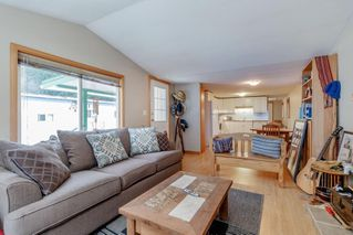 """Photo 5: 41 23320 CALVIN Crescent in Maple Ridge: East Central Manufactured Home for sale in """"Garibaldi Mobile Home Park"""" : MLS®# R2427332"""