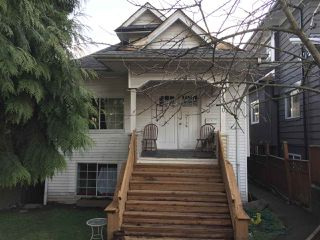 Main Photo: 1410 E 12TH Avenue in Vancouver: Grandview Woodland House for sale (Vancouver East)  : MLS®# R2437111
