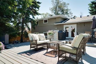 Photo 37: 2320 34 Avenue NW in Calgary: Charleswood Detached for sale : MLS®# A1014786