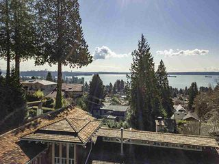 Photo 5: 2475 PALMERSTON Avenue in West Vancouver: Queens House for sale : MLS®# R2486592