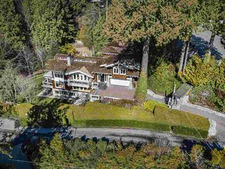 Photo 2: 2475 PALMERSTON Avenue in West Vancouver: Queens House for sale : MLS®# R2486592