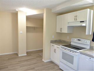 Photo 3: 5627 137 Avenue in Edmonton: Zone 02 Townhouse for sale : MLS®# E4209385