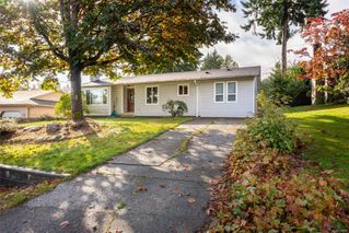 Photo 1: 2896 Apple Dr in : CR Willow Point House for sale (Campbell River)  : MLS®# 856899