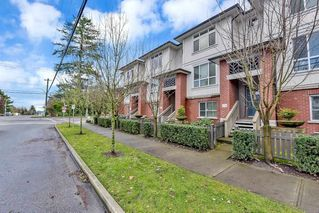 "Photo 2: 35 8355 164 Street in Surrey: Fleetwood Tynehead Townhouse for sale in ""Silverwood"" : MLS®# R2524429"
