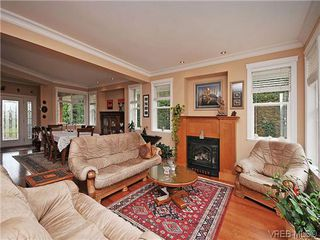 Photo 2: 2523 Fielding Place in VICTORIA: CS Tanner Single Family Detached for sale (Central Saanich)  : MLS®# 312418