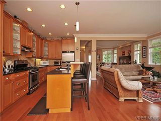 Photo 7: 2523 Fielding Place in VICTORIA: CS Tanner Single Family Detached for sale (Central Saanich)  : MLS®# 312418