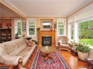 Photo 4: 2523 Fielding Place in VICTORIA: CS Tanner Single Family Detached for sale (Central Saanich)  : MLS®# 312418