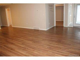 Photo 3: 107 3730 EASTGATE Drive in Regina: East Pointe Estates Condominium for sale (Regina Area 04)  : MLS®# 456379