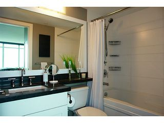 """Photo 10: 1802 2133 DOUGLAS Road in Burnaby: Brentwood Park Condo for sale in """"PERSPECTIVES"""" (Burnaby North)  : MLS®# V1009852"""