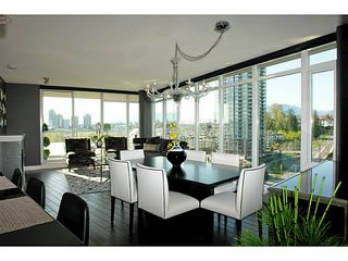 """Photo 2: 1802 2133 DOUGLAS Road in Burnaby: Brentwood Park Condo for sale in """"PERSPECTIVES"""" (Burnaby North)  : MLS®# V1009852"""