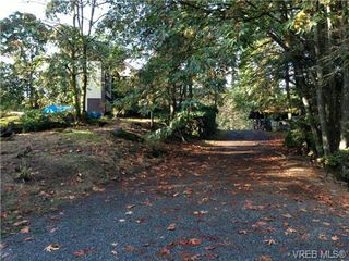Photo 15: 327 Wray Ave in VICTORIA: SW West Saanich Single Family Detached for sale (Saanich West)  : MLS®# 651361