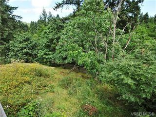 Photo 4: 327 Wray Ave in VICTORIA: SW West Saanich House for sale (Saanich West)  : MLS®# 651361