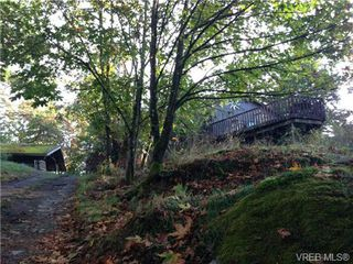 Photo 3: 327 Wray Ave in VICTORIA: SW West Saanich House for sale (Saanich West)  : MLS®# 651361
