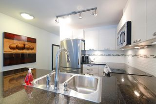 Photo 4: # 409 7418 BYRNEPARK WK in Burnaby: South Slope Condo for sale (Burnaby South)  : MLS®# V1046795