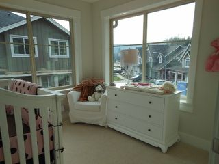 "Photo 10: 8 3266 147 Street in Surrey: Elgin Chantrell Townhouse for sale in ""Elgin Oaks"" (South Surrey White Rock)  : MLS®# F1416304"