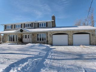 Photo 1: 614 Pritchard Farm Road: East St Paul Residential for sale (Manitoba Other)  : MLS®# 15004280