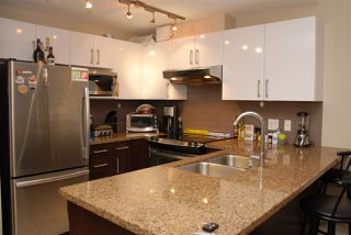 Photo 2: 1203 14 BEGBIE STREET in New Westminster: Quay Condo for sale : MLS®# R2006779