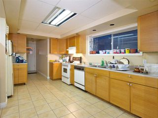 Photo 13: 491 E 63RD AVENUE in Vancouver: South Vancouver House for sale (Vancouver East)  : MLS®# R2328169