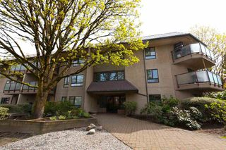 Photo 1: 307 2150 Brunswick St in Vancouver: Mount Pleasant VE Condo  (Vancouver East)  : MLS®# R2259744