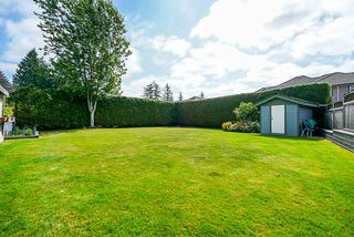 "Photo 3: 15290 N KETTLE Crescent in Surrey: Sullivan Station House for sale in ""Sullivan Station"" : MLS®# R2401430"