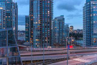 "Photo 16: 1208 1480 HOWE Street in Vancouver: Yaletown Condo for sale in ""VANCOUVER HOUSE"" (Vancouver West)  : MLS®# R2427901"