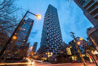 "Photo 19: 1208 1480 HOWE Street in Vancouver: Yaletown Condo for sale in ""VANCOUVER HOUSE"" (Vancouver West)  : MLS®# R2427901"