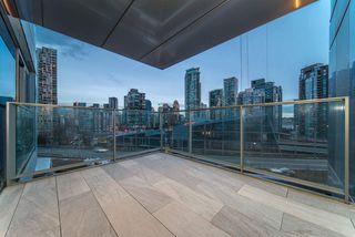 "Photo 2: 1208 1480 HOWE Street in Vancouver: Yaletown Condo for sale in ""VANCOUVER HOUSE"" (Vancouver West)  : MLS®# R2427901"