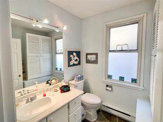 "Photo 16: 14771 OXENHAM Avenue: White Rock House for sale in ""White Rock hillside"" (South Surrey White Rock)  : MLS®# R2430448"
