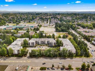 "Photo 25: 316 15268 100 Avenue in Surrey: Guildford Condo for sale in ""Cedar Grove"" (North Surrey)  : MLS®# R2481098"