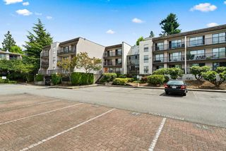 "Photo 21: 316 15268 100 Avenue in Surrey: Guildford Condo for sale in ""Cedar Grove"" (North Surrey)  : MLS®# R2481098"