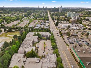 "Photo 24: 316 15268 100 Avenue in Surrey: Guildford Condo for sale in ""Cedar Grove"" (North Surrey)  : MLS®# R2481098"