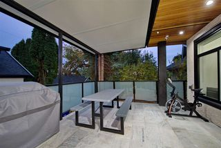 Photo 25: 5886 SHERBROOKE Street in Vancouver: South Vancouver House for sale (Vancouver East)  : MLS®# R2490210