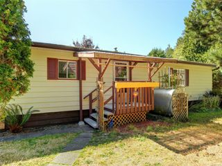 Photo 1: 19 2357 Sooke River Rd in : Sk Sooke River Manufactured Home for sale (Sooke)  : MLS®# 854289