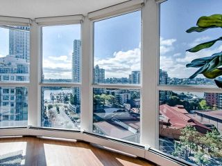 Photo 5: 1305 283 DAVIE STREET in Vancouver: Yaletown Condo for sale (Vancouver West)  : MLS®# R2491218