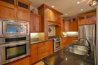 Photo 7: 10137 122 Street in Edmonton: Zone 12 House Half Duplex for sale : MLS®# E4216655
