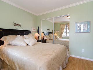 """Photo 9: 308 2490 W 2ND Avenue in Vancouver: Kitsilano Condo for sale in """"TRINITY PLACE"""" (Vancouver West)  : MLS®# V966955"""