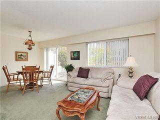 Photo 3: 35 840 Craigflower Road in VICTORIA: Es Kinsmen Park Townhouse for sale (Esquimalt)  : MLS®# 322097